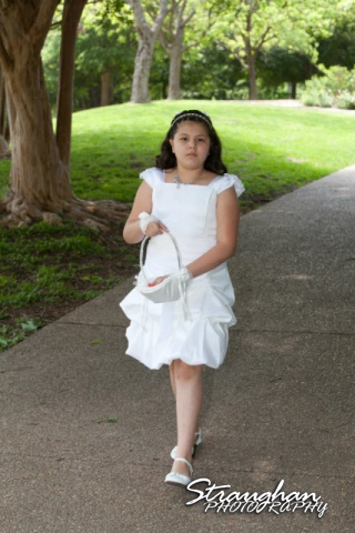 Inn on the Riverwalk flower girl
