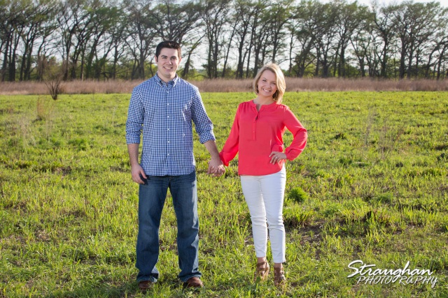 Engagement Boerne Carley Cibolo Natural in the grass