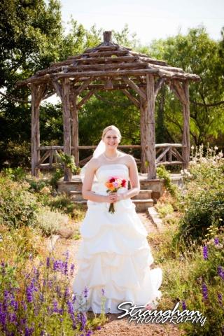 Dara's Bridal 1