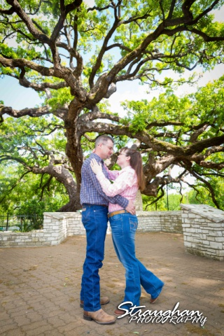 Tina engagement New Braunfels with big tree