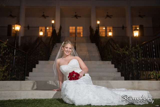 Katie's Bridal Kendall Plantation in front of plantationsitting
