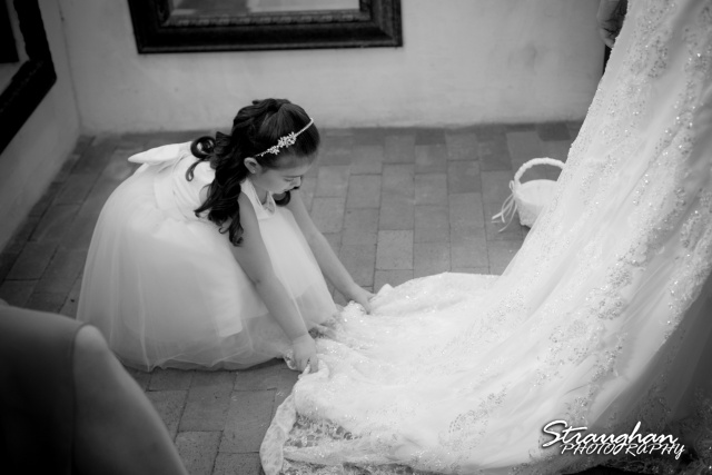 Jackie and Steve's wedding, girl fix dress