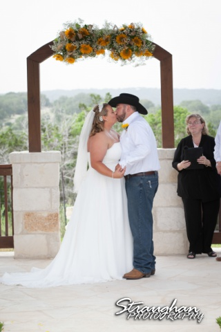 Lindsey and Tommy's Wedding, Boulder Springs first kiss1