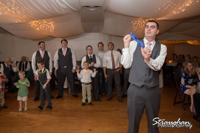 Eric and robyns wedding, garder toss