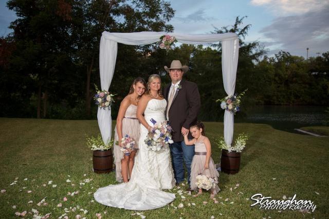Angie wedding Marriott New Braunfels new family