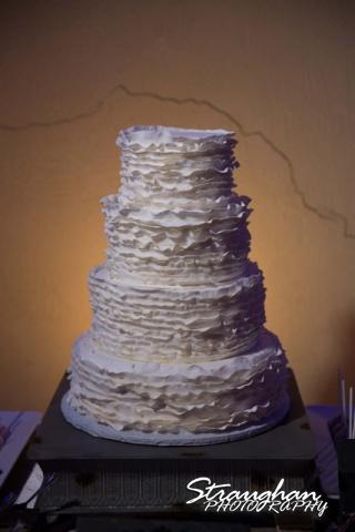 Angie wedding Marriott New Braunfels head table cake