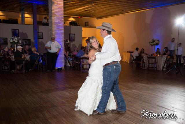 Angie wedding Seekats New Braunfels Dance