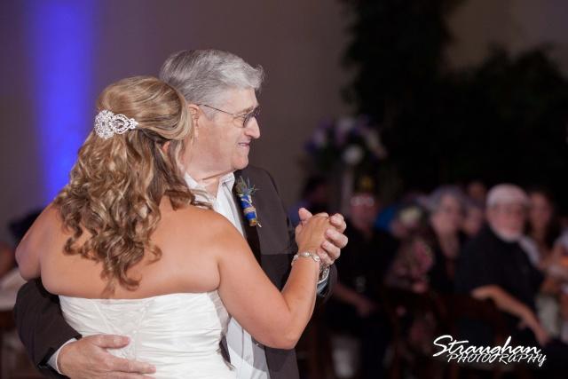 Angie wedding Seekats New Braunfels father daughter