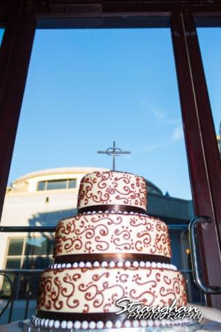 Anna wedding riverwalk San Antonio wedding cake