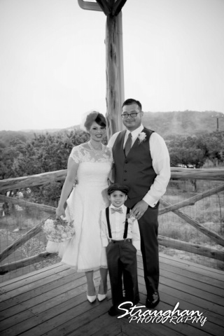 Agustina wedding Scenic Springs family photo