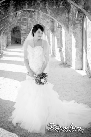 Alexis Bridal Mission San Jose black and white in the arches