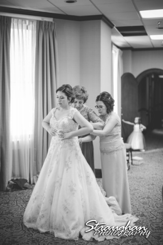 Amanda - Joey wedding Sheraton Gunter bride dressing