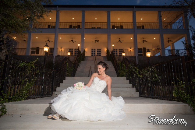 Ashton's Bridal sitting Kendall Plantation on the steps