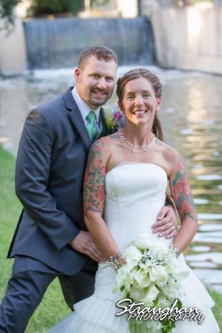 Sheehan wedding Inn on the riverwalk couple shot