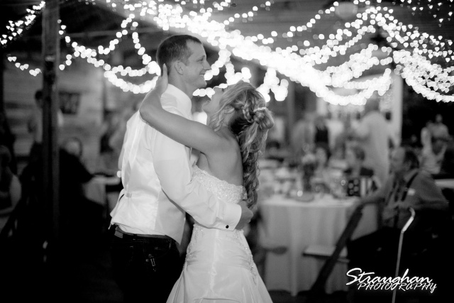 Amanda Red Coral Ranch first dance bw