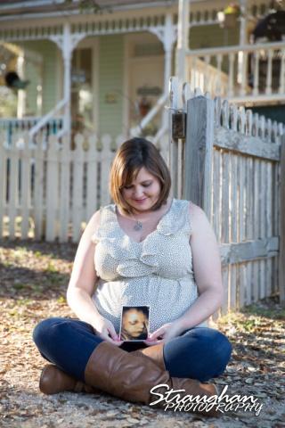 Carol maternity sitting with sonogram