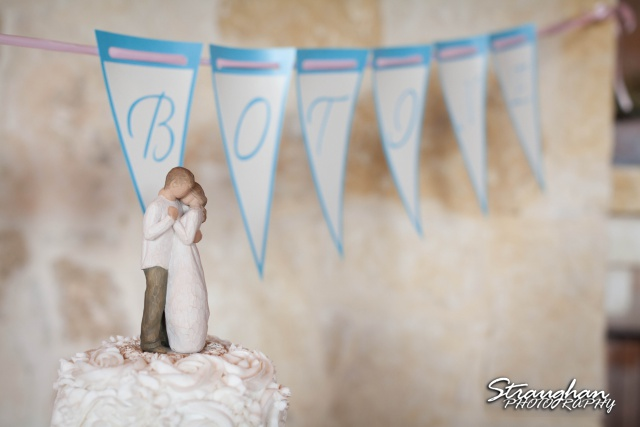 Brianna wedding Scenic Loop Cafe cake topper