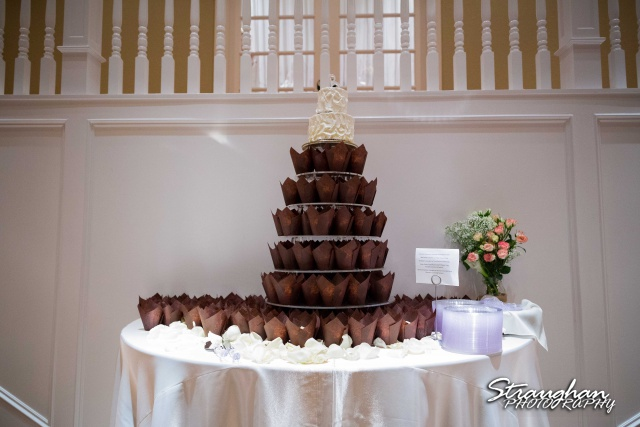 Ashton wedding Kendall Plantation cake