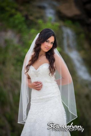 Britny's Bridal the lodge at bridal veil falls coy close up