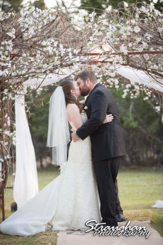 Cody Wedding Los Encinos the kiss