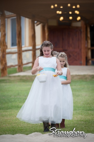 Samantha wedding Happy H Ranch flower girl