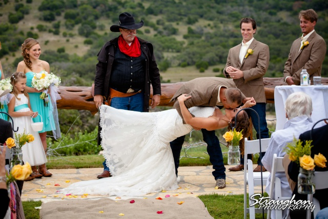 Samantha wedding Happy H Ranch kiss