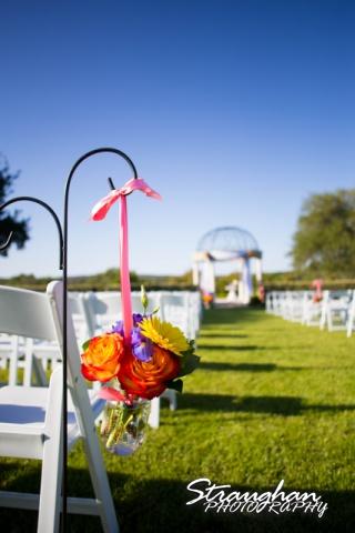 Erin Wedding Gardens of Cranesbury View aisle flowers