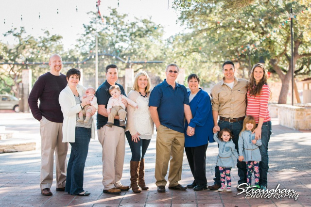 Sander family photo La Villitia San Antonio entire family by fountian