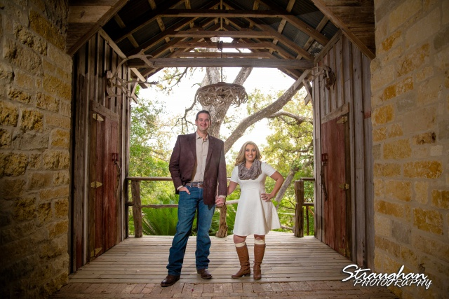Heather engagement Gruene in anter tunnel