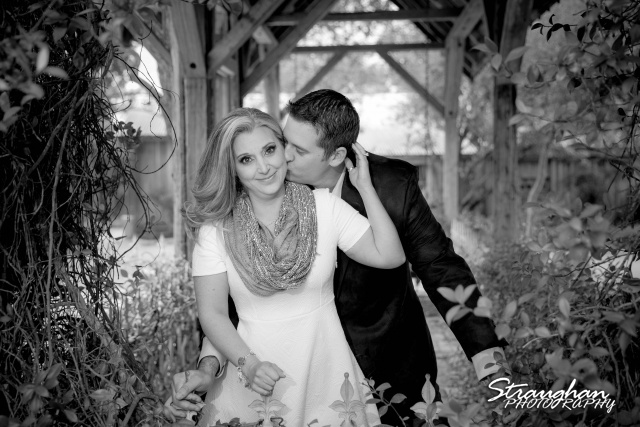 Heather engagement Gruene bw in the gazebo