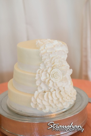 Lacey wedding Granberry Hills cake