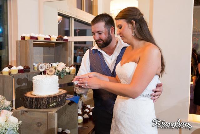 Blais_Jessica wedding the Lodge at Bridal Veil Falls cake cutting