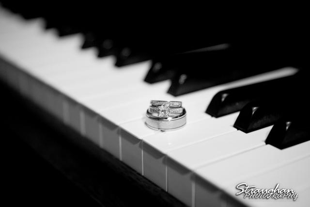 Jessica wedding Hyatt Hill Country Resort piano