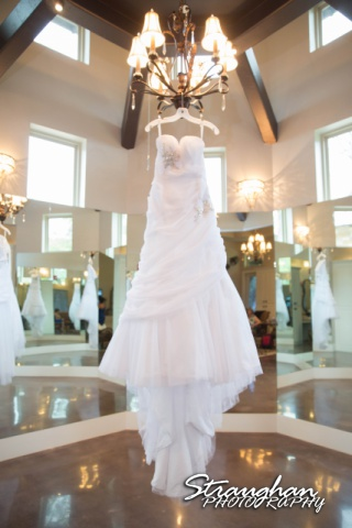 Jamie and Jack wedding Bridal Veil Falls dress