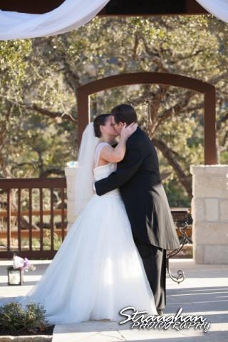 Wedding Bella Springs Jennifer the kiss