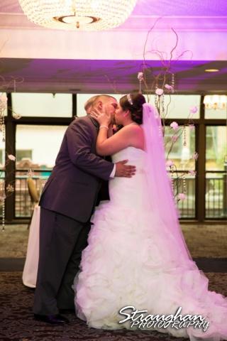 Lori & Joe wedding Sheraton Gunter the kiss