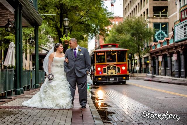 Lori  Joe wedding Sheraton Gunter on the street with the trolly