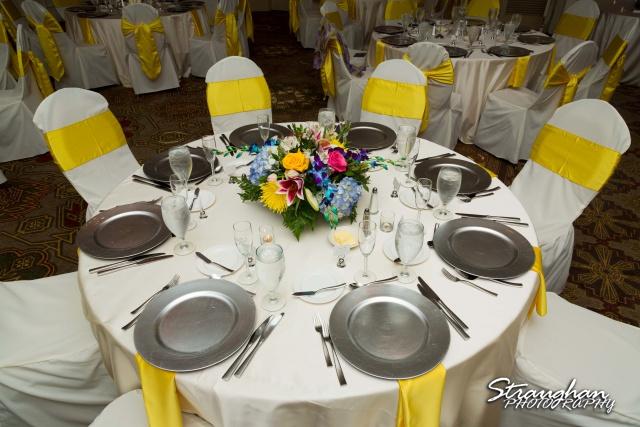 Jazmine's wedding Omni de la Mansion table seet up