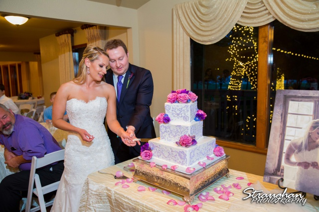 Joanna wedding Texas Old Town in Helotes cake cutting