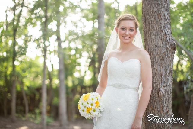 Katie bridal Gruene close up int he tress