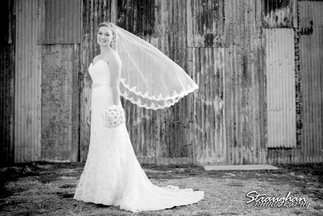 Katie bridal Gruene bw wall