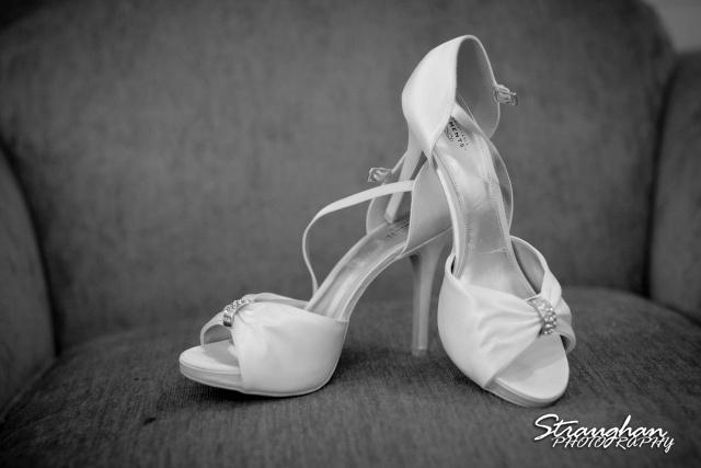 Kelley wedding St Peter's Boerne Ye Kendall Inn shoes