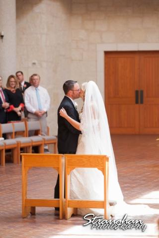 Kelley wedding St Peter's Boerne wedding kiss