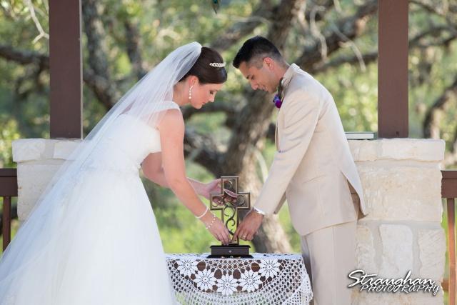 Kristan's wedding Bella Springs Boerne cross ceremony