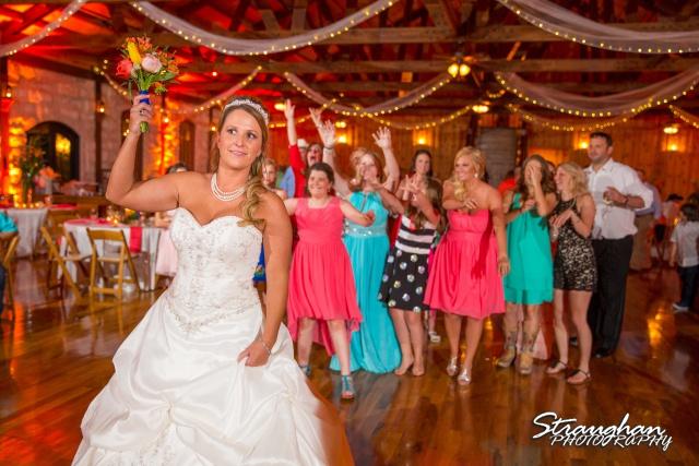LeeAnn's wedding Boulder Springs bouquet toss