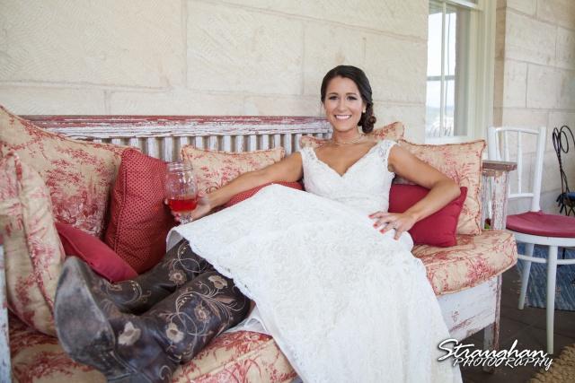 1850 Settlement wedding Lauren sitting