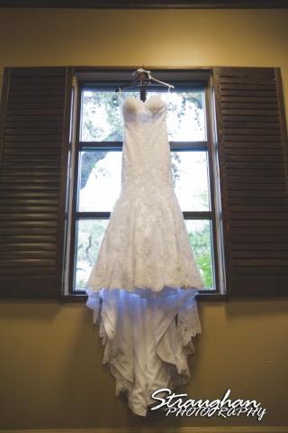Liris wedding Club at Sonterra dress in window