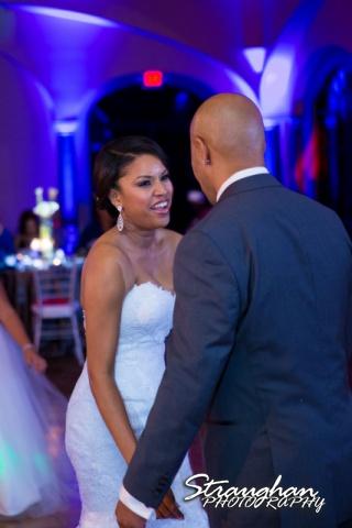Liris wedding Club at Sonterra bride laughing with groom