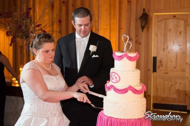 Kelly wedding Boulder springs cake cutting