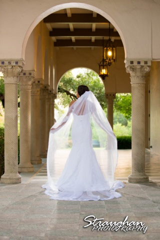 Liris' Bridal at Landa Library, San Antonio, TX